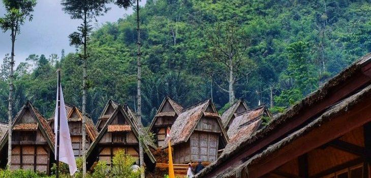 Kunjungan Prodi Magister PPKn Melaksanakan Field Trip ke Kampung Budaya Sinaresmi
